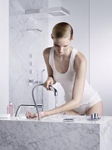 retractable faucet