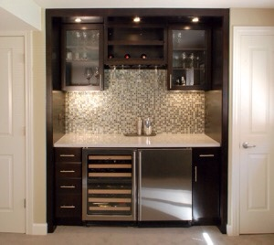 Wet Bar At All Since It Has No Sink S Entirely Possible There Is Water Connection But Does Have A Wine Unit And Ears To