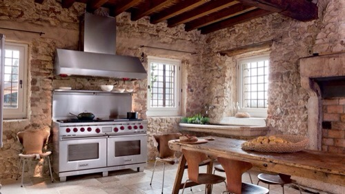 Rustic-Wolf-Kitchen