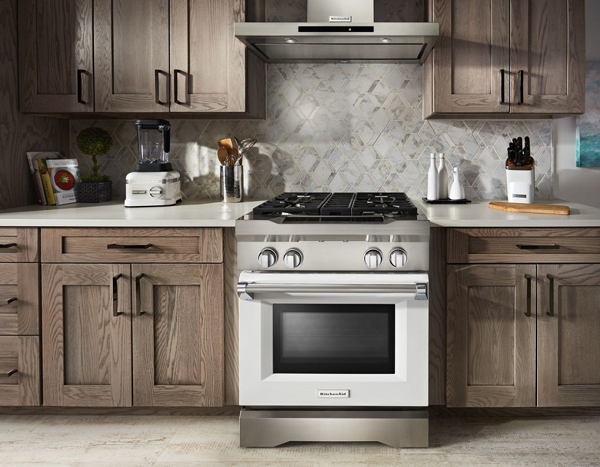 Which is Best for Entertaining Gas vs. Electric Ranges